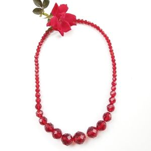 1950 Faceted Classic Vintage Red Beaded Necklace